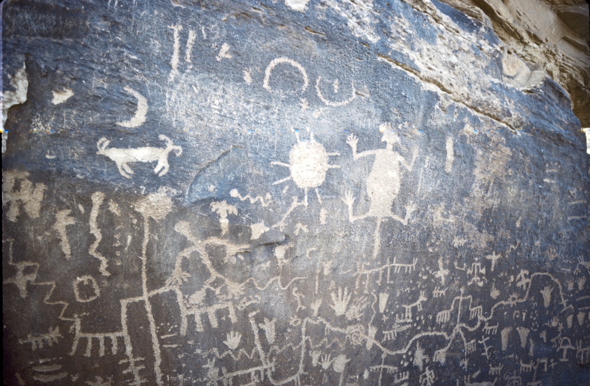 Newspaper rock at Petrified Forest National Park